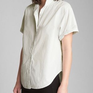 Gap Back Slit Button Down